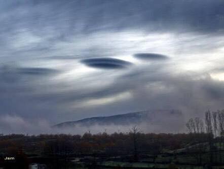 ufo clouds los cabos, lenticular clouds los cabos, Extrañas nubes Los Cabos, Extrañas nubes Los Cabos photo, giant lenticular clouds engulf los cabos mexico, ufo cloud los cabos pictures
