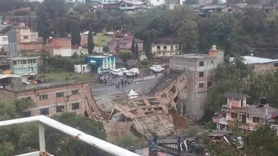 building collapse mexico, building collapse mexico photo, building collapse mexico video, building collapse mexico heavy rain october 2015