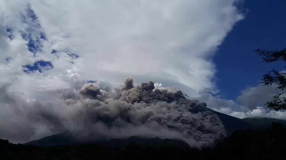 fuego volcano eruption november 2015, fuego volcano eruption november 9 2015, fuego volcano eruption november 2015 pictures, fuego volcano eruption november 2015 videos, fuego volcano eruption november 2015 images