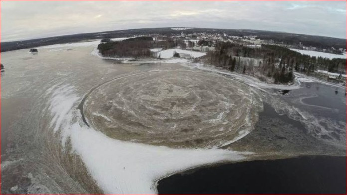 ice circle sweden, This giant ice circle formed in the Kalix River in northern Sweden on November 22 2015, gigantic ice circle sweden, circle of ice sweden, giant ice circle forms in sweden river november 2015, ice circle sweden river november 2015 photo