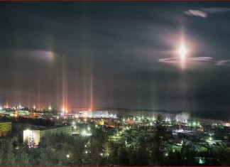 moondog and light pillars, moondogs, light pillars, moondogs picture, light pillars picture, Magical sky in northern Russia as moondogs and light pillars appear light up the night sky,