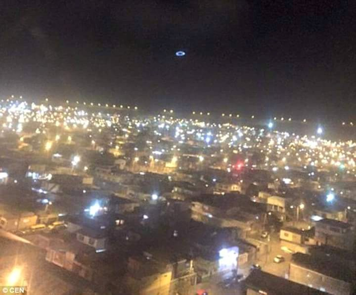 "strange light circle clock iquique, Residents in Chilean city spooked by circle of light ""UFO"", ufo chile, ufo sightings november 2015 iquique, weird circle ufo chile november 2015"