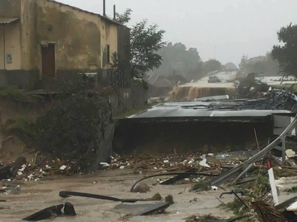 extreme weather calabria, calabria floods, floods in Calabria november 2015, extreme flooding calabria and sicily november 2015, violent surges flash floods calabria sicily