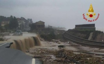 extreme weather calabria, calabria floods, floods in Calabria november 2015, extreme flooding calabria and sicily november 2015, violent surges flash floods calabria sicily