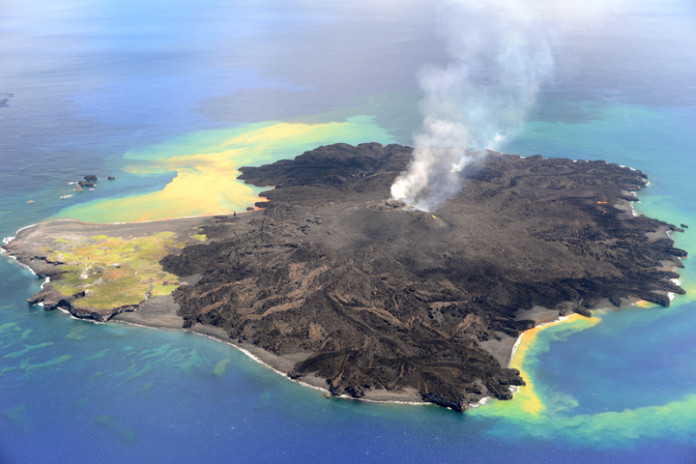 Nishinoshima, Massive Eruptions and Evolution of Nishinoshima Volcano, Nishinoshima is now 12 times bigger, Nishinoshima new island japan, Nishinoshima new island japan 2015, New volcanic island grows 12 times in size since formation two years ago, New Island Grows Twelve Times Bigger Since Popping Up Two Years Ago