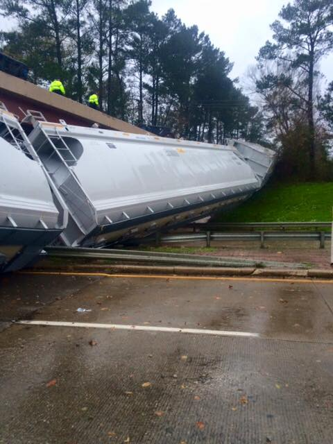 Winds Blow Train Off Tracks Lufkin Texas, train lufkin texas, 64 train cars derail in lufkin, Winds Blow Train Off Tracks Lufkin Texas pictures