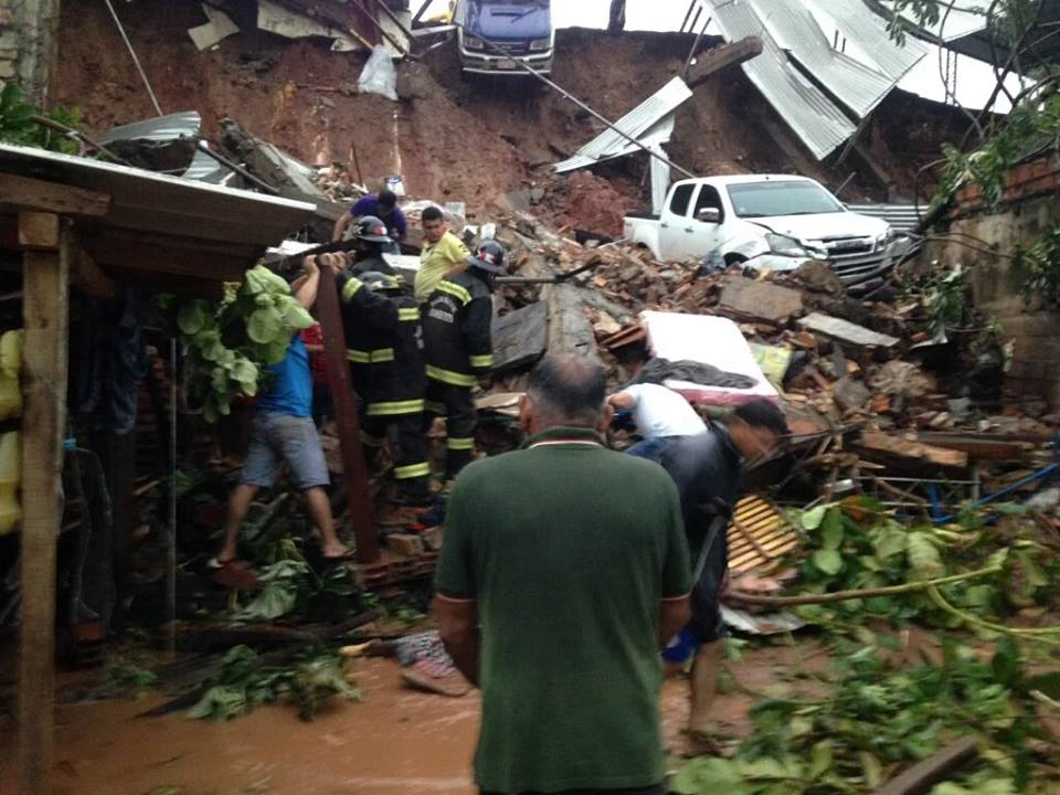 apocalyptical storm paraguay, apocalyptical storm paraguay pictures, apocalyptical storm paraguay video, storm paraguay, largest storm in 18 years in paraguay, most powerful storm in 18 years for paraguay, paraguay insane storm, giant storm engulfs paraguay