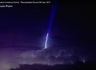 blue jet, gigantic jet, gigantic blue jet, Amazing Transient Luminous Event darwin 2015, amazing blue jet darwin 2015, blue jet video darwin thunderstorm december 2015, This insane blue jet or Upper Atmospheric Lightning lit up the sky over Darwing during an insane thunderstorm on December 8 2015. Phot Video Caption