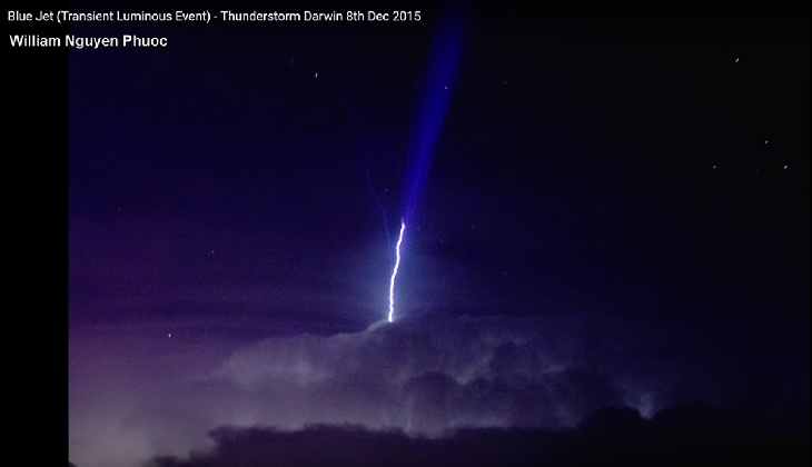 blue jet, gigantic jet, gigantic blue jet, Amazing Transient Luminous Event darwin 2015, amazing blue jet darwin 2015, blue jet video darwin thunderstorm december 2015, This insane blue jet or Upper Atmospheric Lightning lit up the sky over Darwing during an insane thunderstorm on December 8 2015. Phot Video Caption