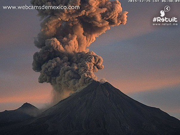 colima eruption christmas, colima eruption christmas day, colima volcano erupts christmas, volcano colima eruption december 25 2015