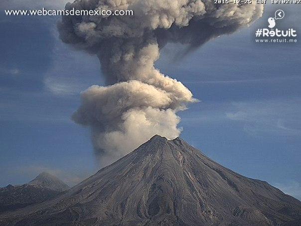 doucle colima volcano eruption on christmas day