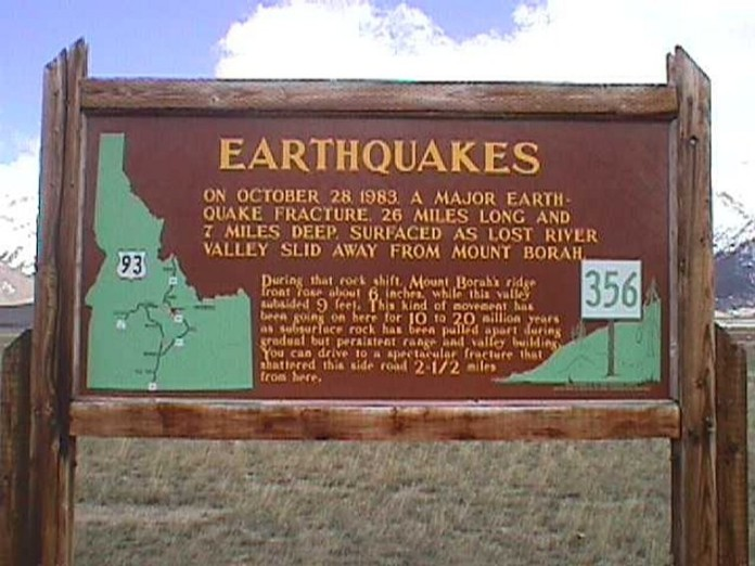earthquake swarm idaho december 2015, idaho shaken by 40 earthquakes december 2015, idaho earthquake swarm dec 2015, big one in adaho after earthquake swarm in dec 2015, earthquake idaho, The largest Idaho earthquake occurred in 1983 at the exact same area than the recent quake swarm of December 2015... Signs for the next big one in the region?