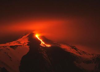 etna eruption, etna eruption pictures, best etna eruption photo, etna eruption at night, etna eruption december 10 2015, etna volcano eruption night eruption dec 2015 picture