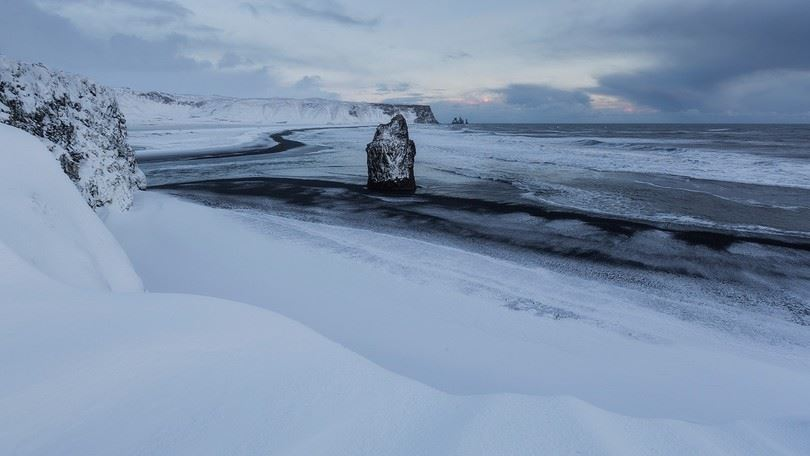 iceland weather, iceland record snow, worst storm in 25 years iceland, iceland worst storm 2015, worst storm in 25 years hit iceland december 2015, iceland extreme weather, strong winds and snow in iceland, iceland extreme snow and storm december 2015