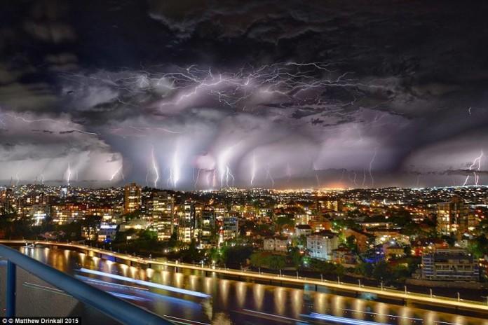 lightning storm brisbane, lightning storm brisbane picture, pictures lightning storm brisbane, lightning storm brisbane video, video lightning storm brisbane