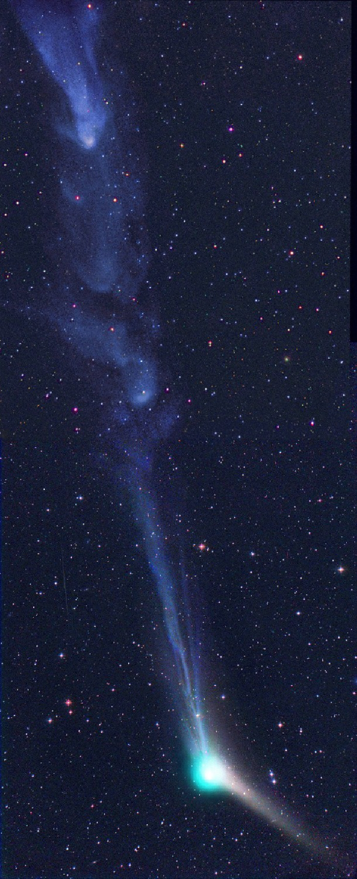 comet catalina, comet catalina magnetic storm picture, comet catalina magnetic storm, magnetic storm comet catalina, catalina magnetic storm pictures, giant orbs comet catalina tail, This plasma blob form as a result of magnetic storms on the tail of Comet Catalina