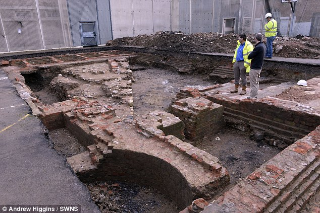 castle prison gloucester, medieval castle discovered under prison in gloucester, glocester castle under prison, prison gloucester castle, castle discovered under prison in gloucester