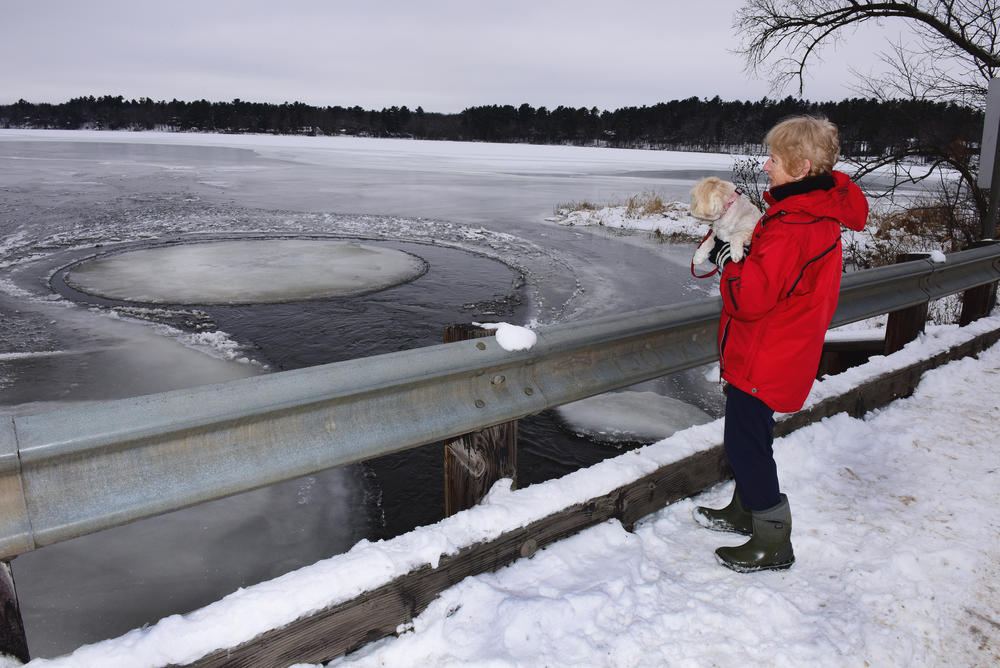 ice circle, ice circle brainerd, spinning ice circle brainerd, rorating ice circle brainerd, ice circle brainerd video, ice circle brainerd picture, ice circle upper south lon lake, minnesota ice circle, ice circle december 2015, ice circle, ice circle brainerd december 2015,