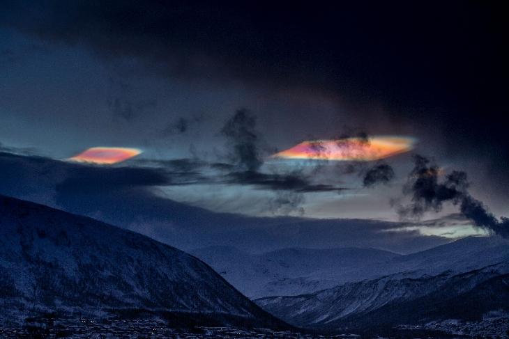 polar stratospheric cloud norway, polar stratospheric cloud tromso, polar stratospheric cloud tromsø, nacreous cloud norway december 2015, polar stratospheric cloud outbreak arctic circle, polar stratospheric cloud outbreak december 2015, Ufo-like polar stratospheric cloud over Tromsø in Norway