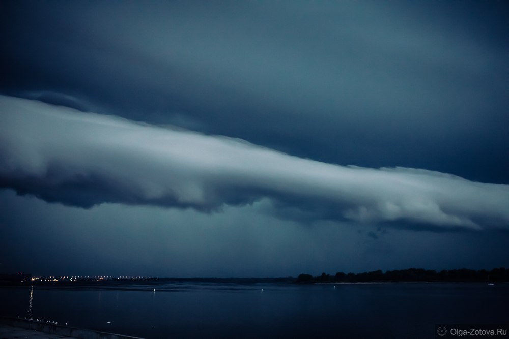 roll cloud, roll cloud christmas, roll cloud nizhny novgorod, roll clouds december 2015, roll clouds pictures, Extremely rare roll cloud forms in the sky of Nizhny Novgorod on Christmas Eve