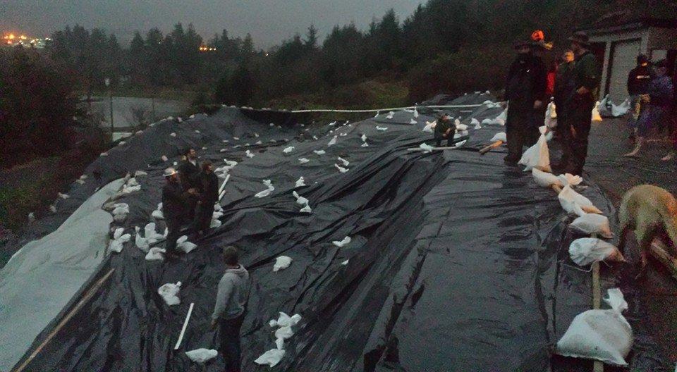 tillamook sinkhole landslides oregon, Massive sinkholes landslides endanger northwestern Oregon neighborhood, tillamook sinkhole landslides oregon pictures, tillamook sinkhole landslides oregon photos, tillamook sinkhole landslides oregon video, tillamook sinkhole landslides oregon river