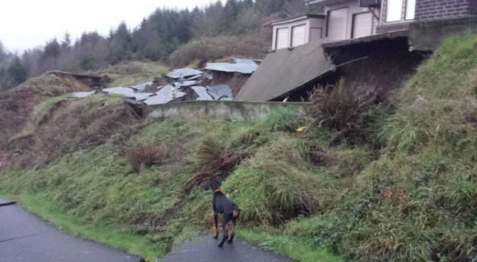 tillamook sinkhole landslides oregon, Massive sinkholes landslides endanger northwestern Oregon neighborhood, tillamook sinkhole landslides oregon pictures, tillamook sinkhole landslides oregon photos, tillamook sinkhole landslides oregon video, tillamook sinkhole landslides oregon river