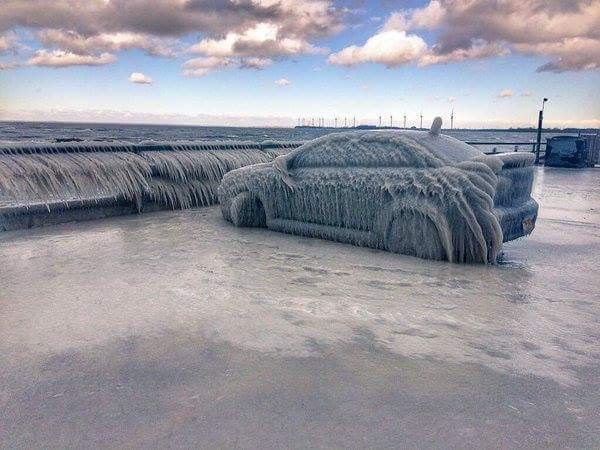 buffalo blizzard, buffalo blizzard january 2016, buffalo blizzard ice car, buffalo blizzard ice car pictures, buffalo blizzard ice car video, buffalo blizzard pictures