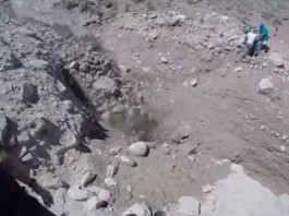 landslide aconcagua, aconcagua landslide video, aconcagua landslide photo, alud en aconcagua, alud en aconcagua video, se salvaron de milagro, landslide almost swallows hikers on Aconcagua argentina