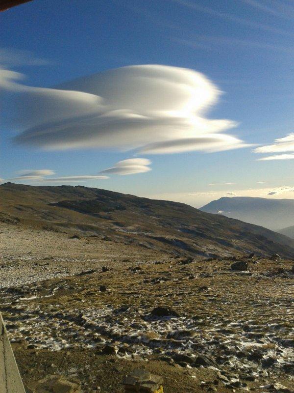lenticular clouds, giant lenticular clouds, giant lenticular clouds spain, giant lenticular clouds january 2016, best pictures of lenticular clouds 2016, lenticular clouds spain