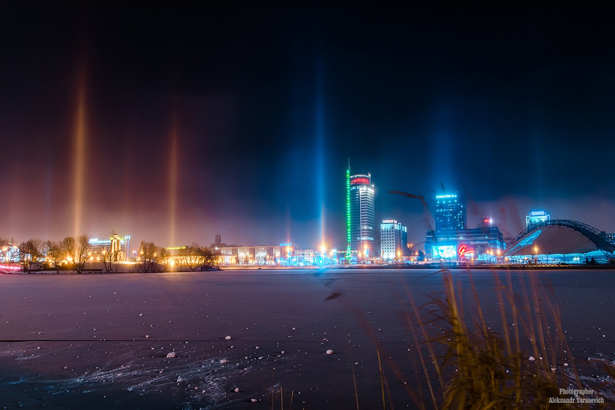 light pillars minsk, pillars of light, pillars of light pictures, beam of lights in the sky, mysterious light pillars minsk, awesome light pillars minsk, eerie light pillars minsk