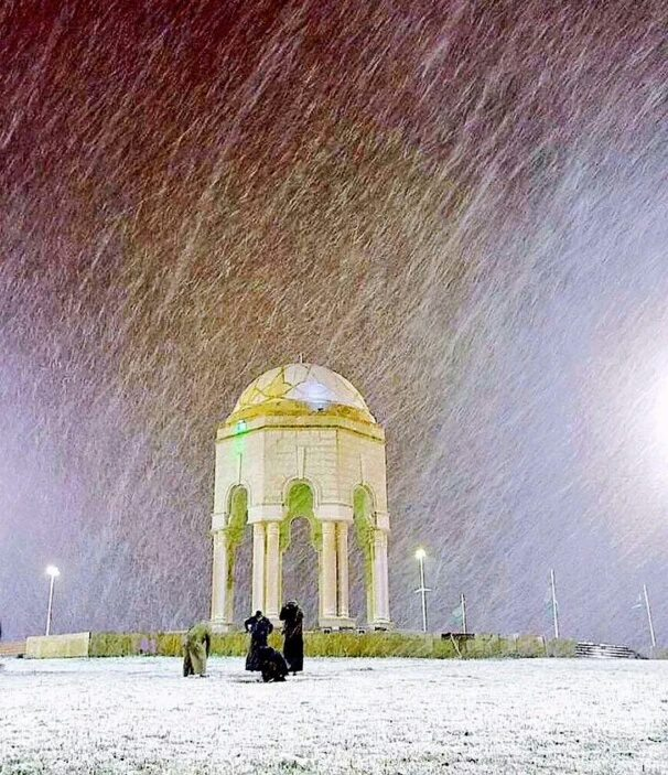rafha snow saudi arabia, snow in rafha saudi arabia, snow blankets rafha saudi arabia, snow rafha saudi arabia