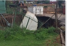 sinkhole laudium, sinkhole laudium january 2016