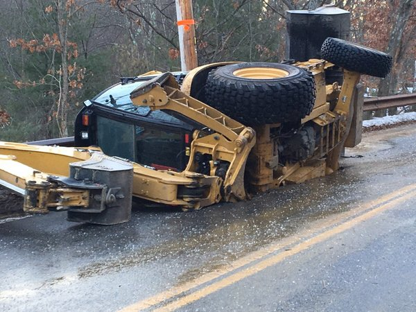 sinkhole swallows backhoe bedford, sinkhole swallows backhoe bedford massachusetts, sinkhole swallows backhoe bedford massachusett january 7 2016, sinkhole swallows backhoe bedford massachusett pictures, sinkhole swallows backhoe bedford massachusett video