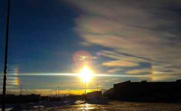 sundogs irridescent clouds winter storm jonas, signs before jonas, jonas signs in the sky, sun halos and iridescent clouds before jonas, signs in the sky before snow storm, how to predict a snow storm, sky phenomena before natural disaster, winter storm jonas signs in the sky, winter storm jonas sun halos and iridescent clouds, signs before a storm, signs before snow storm, signs in the sky before snow storm, how to predict a snow storm, sky phenomena before natural disaster
