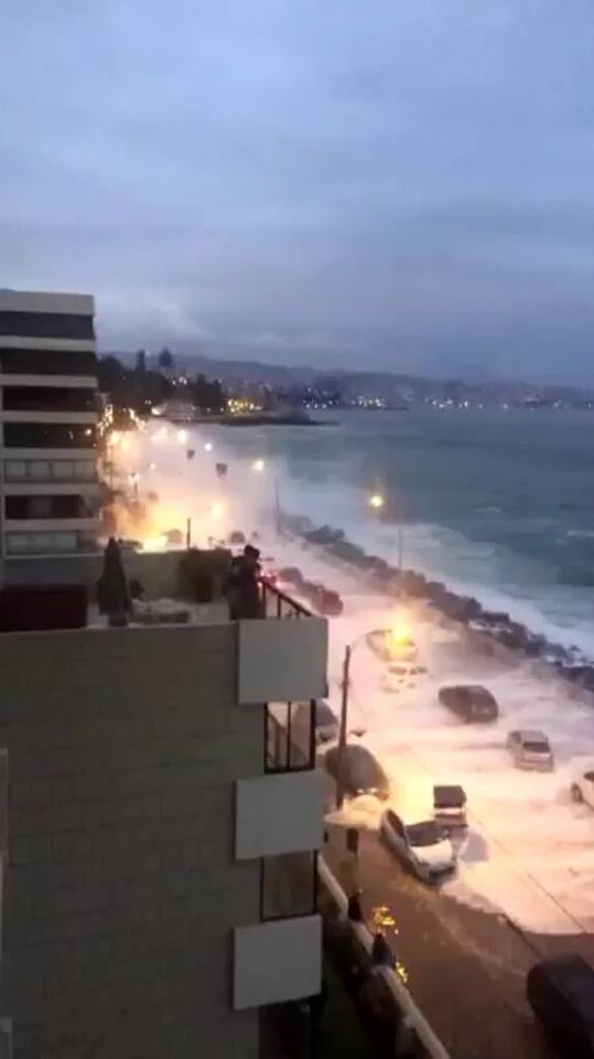 vina del Mar waves flooding, vina del Mar waves flooding pictures, vina del Mar waves flooding videos, Usuarios comparten registros de fuertes marejadas en Viña del Mar, Olas inundan borde costero de Viña del Mar