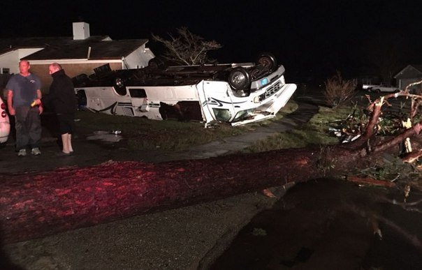 Pensacola tornado, florida tornado, Pensacola tornado pictures, Pensacola tornado video, Pensacola tornado february 2016, Pensacola tornado february 24 2016