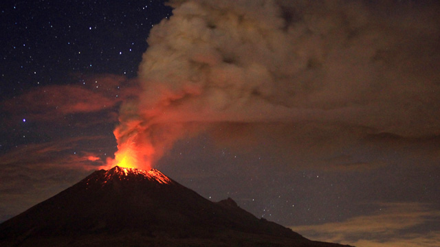 popocatepetl volcano eruption february 3 2016, popocatepetl volcano eruption february 3 2016 video, popocatepetl volcano night eruption february 3 2016, Volcano erupts near Mexico City,