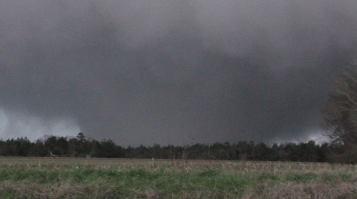 alabama tornado, massive alabama tornado, alabama tornado photo, alabama tornado pictures, alabama tornado video, alabama tornado february 2 2016, alabama tornado february 2 2016 pictures, alabama tornado february 2 2016 video, mississippi tornado february 2 2016