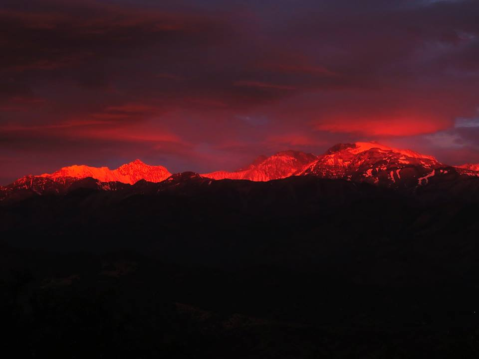 blood snow, blood red snow, blood snow chile, blood red snow pictures, blood red snow at mountain tops chile, blood red snow chile
