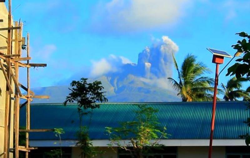 bulusan volcano, bulusan volcano eruption february 2016, bulusan volcano eruption february 2016 video, bulusan volcano eruption february 2016 photo