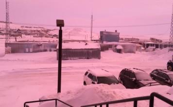 iqaluit rose sky, pink sky in iqaluit, mysterious red pink sky in nunavut, pink sky iqaluit, mysterious pink sky baffle residents of iqaluit nunavut february 2016, iqaluit rose sky pictures, pink sky nunavut pictures