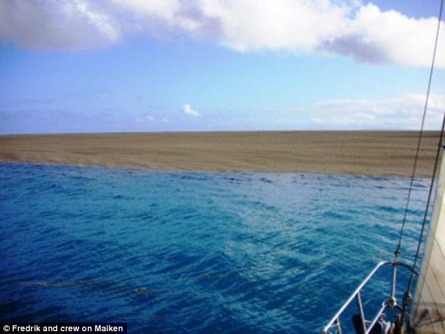 Underwater volcanic eruption creates new landmass in Tonga, birth of island tonga, tonga underwater volcano creates island, birth island tonga pictures, tonga island birth pictures 2006