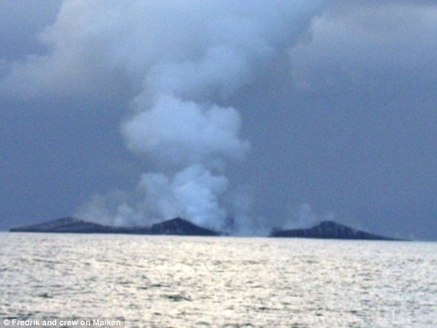 Underwater volcanic eruption creates new landmass in Tonga, birth of island tonga, tonga underwater volcano creates island, birth island tonga pictures, tonga island birth pictures 2006