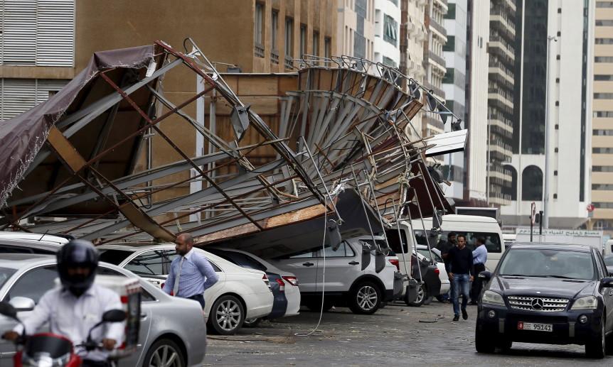 abu dhabi storm airport destruction, abu dhabi airport destruction march 2016, abu dhabi storm march 2016, heavy storm abu dhabi pictures, heavy storm abu dhabi video, march 2016 abu dhabi airport destroyed