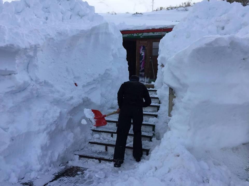 alto campoo spain snow, alto campoo spain snow march 2016, anomalous snow alto campoo march 2016, snow alto campoo march 2016, large snow accumulation spain march 2016