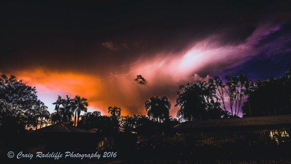apocalyptical storm cell australia, lightning storm darwin australia, darwin australia lightning storm, best lightning storm australia, lightning storm pictures, apocalyptical storm cell engulfs australia