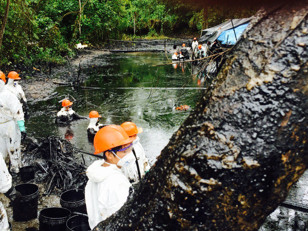 black river amazon peru oil spill, oil spill amazon, peru oil spill amazon, peru amazon oil spill, water resources polluted by oil spill in peruvian amazon, black waters in peruvian amazon