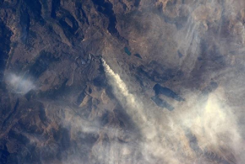 copahue volcano eruption from space, copahue volcano eruption march 28 2016, copahue volcano erupts from space, space picture from copahue volcano erupting