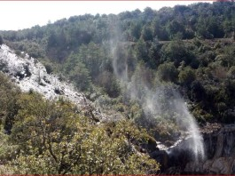 inverted waterfall spain, spain inverted waterfall icicles, spain inverted waterfall video, spain inverted waterfall pictures, spain inverted waterfall, inversed waterfall spain, icicles behind inverted waterfall spain, spain inverted waterfall icicles, spain inverted waterfall video, spain inverted waterfall pictures