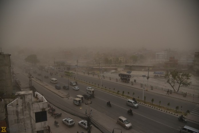 kathmandu sandstorm, kathmandu sandstorm march 2016, kathmandu sandstorm easter monday, kathmandu sandstorm easter monday 2016 pictures, kathmandu sandstorm easter monday video
